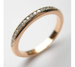 Rotgold Memoire-Ring mit 31 Brillanten