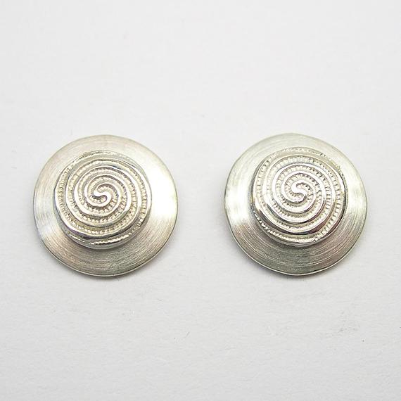 Nibelungen-Ohrstecker aus Silber