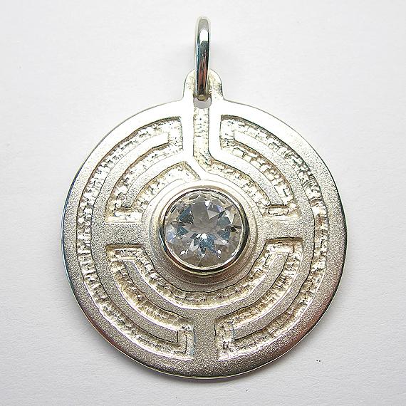 Rosengarten-Amulett Silber mit Bergkristall
