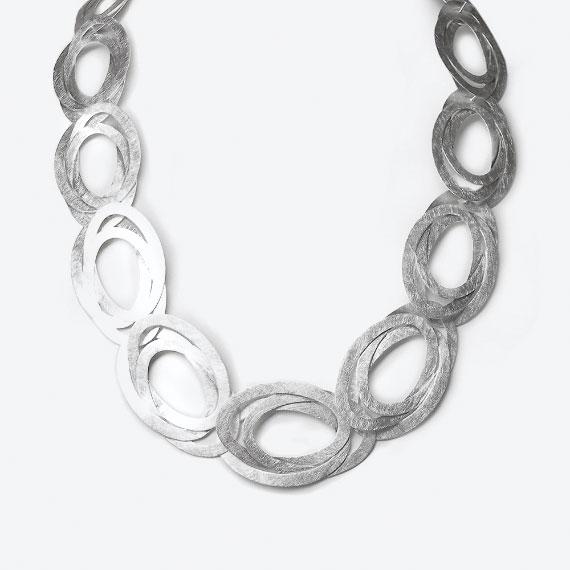 Collier aus Silber seidenmatt