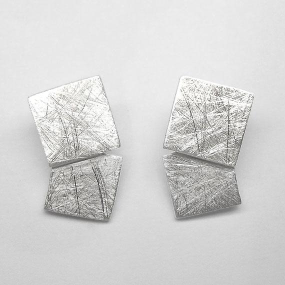 Ohrstecker aus Silber im Würfeldesign