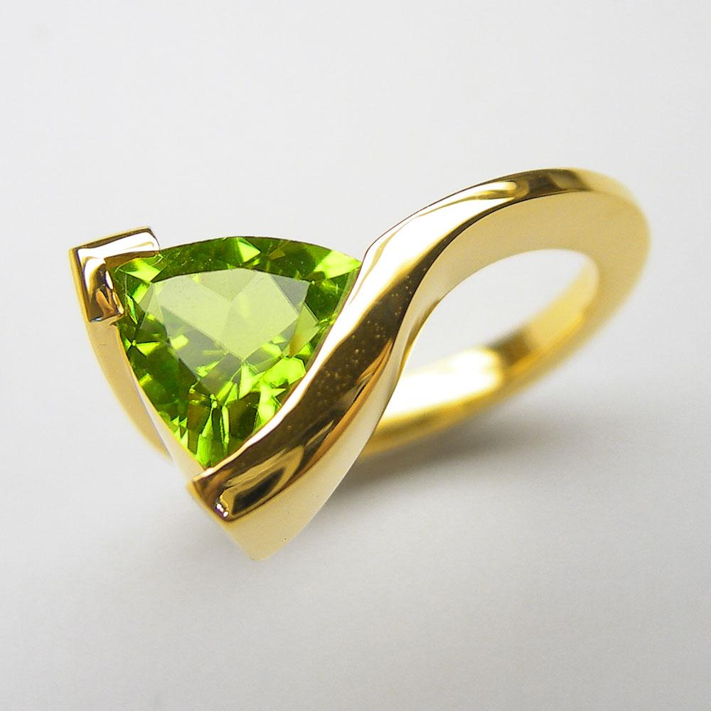 Gelbgold Ring mit Peridot