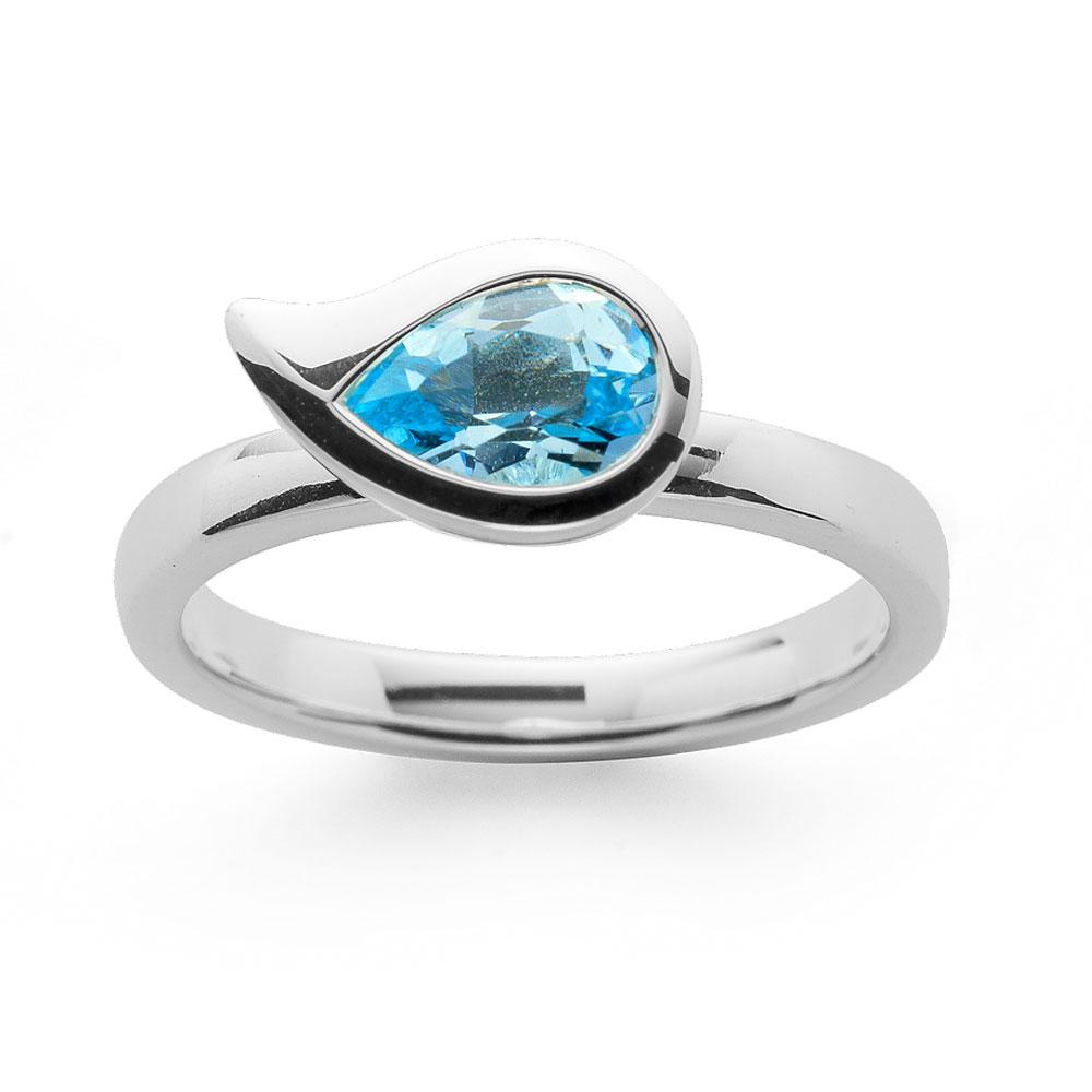 Ring aus Silber mit Blautopas