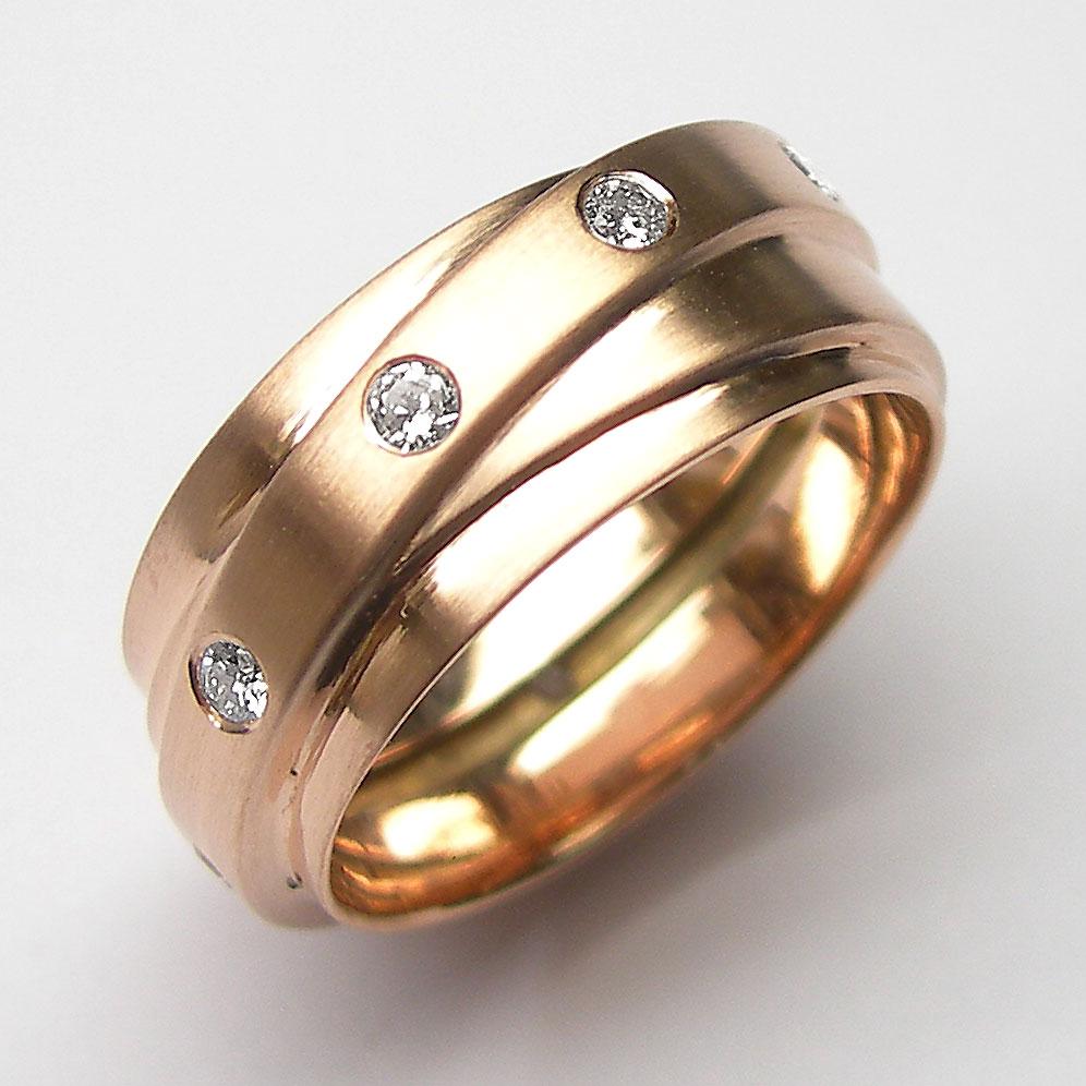 Rotgold Ring mit 9 Brillanten